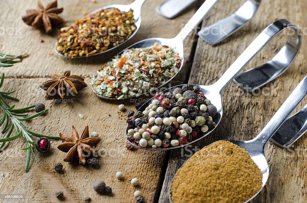 Mezclar las especias - Foto de stock de Alcaravea libre de derechos