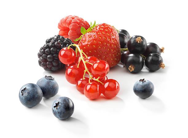 assortiment de fruits rouges - fruit rouge photos et images de collection