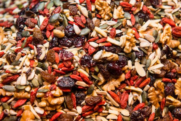 gemischte getrockneten früchte - grape sugar stock-fotos und bilder