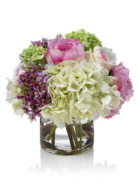 Mélange de rose et blanc Spring garden bouquet sur fond blanc - Photo