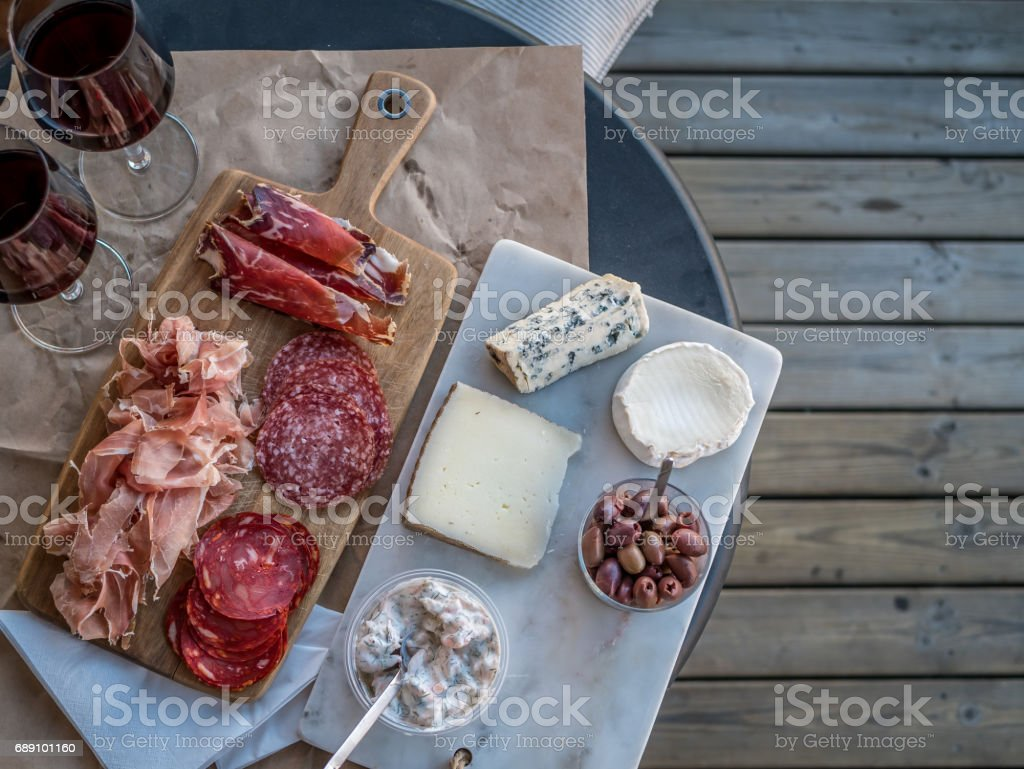 Mixed plate of charcuterie – Foto