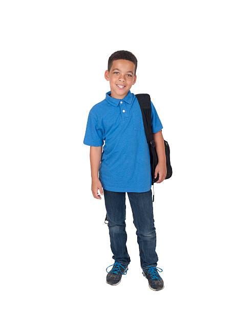 mixed race boy mit rucksack - kurze schwarze haare stock-fotos und bilder