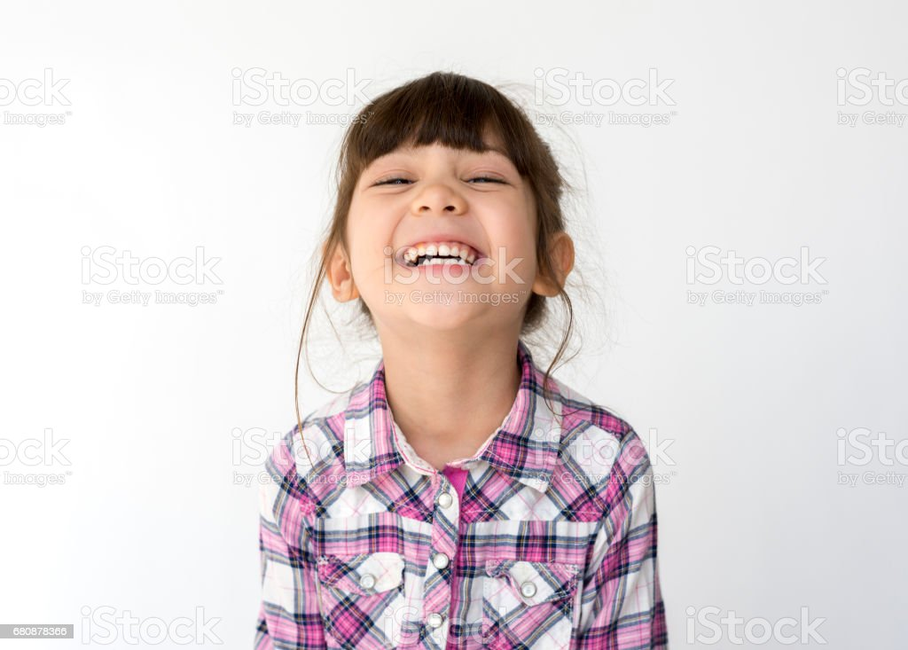 Mixed race girl big smile head shot portrait - foto stock