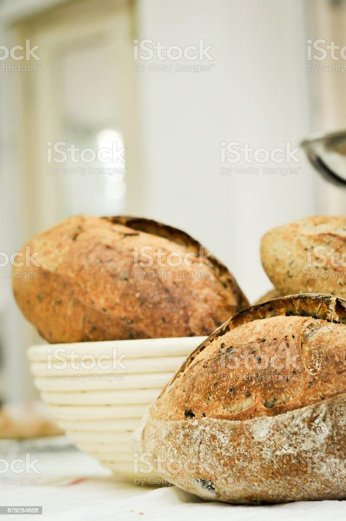 Mixed rye-wheat whole grain homemade sourdough bread foto de stock royalty-free