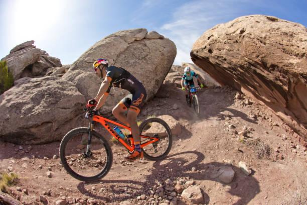 moab rocks mountain bike race - moab utah stockfoto's en -beelden