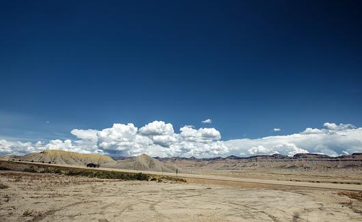 Moab Valley Landschap Stockfoto en meer beelden van Atmosferische lucht