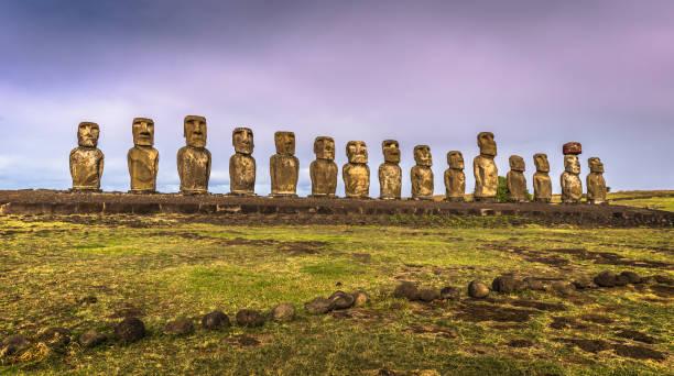Ahu Tongariki, Osterinsel - 10. Juli 2017: Moai Altar der Tongariki, Osterinsel – Foto