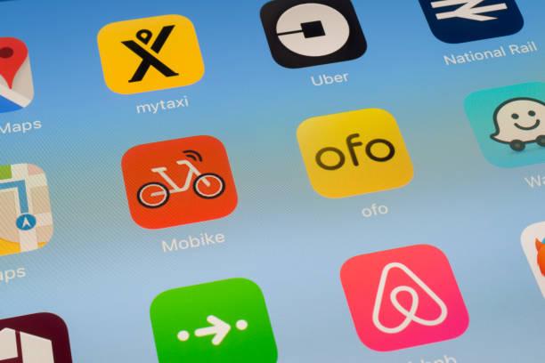 MOBIKE, ofo y otros viajes Apps en pantalla del iPad - foto de stock