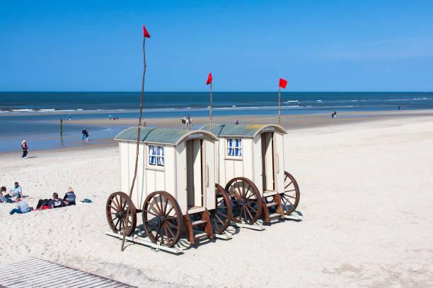 mobile ändern zimmer am strand, redaktionelle - urlaub norderney stock-fotos und bilder