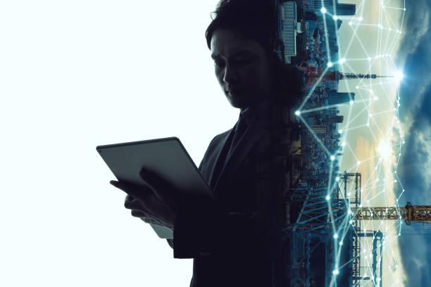 mobiele communicatie netwerk concept. abstracte dubbele belichting. - dubbelopname businessman stockfoto's en -beelden