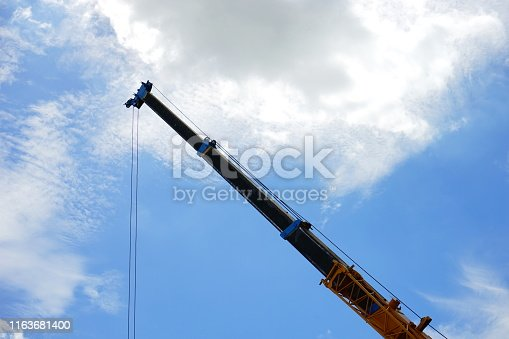Construction Machinery, Mobile Crane, Truck, Pick-up Truck, Mechanical Grabber