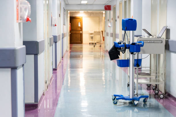 Mobile Gesundheit Diagnoseinstrument im Korridor der Spitalabteilung – Foto