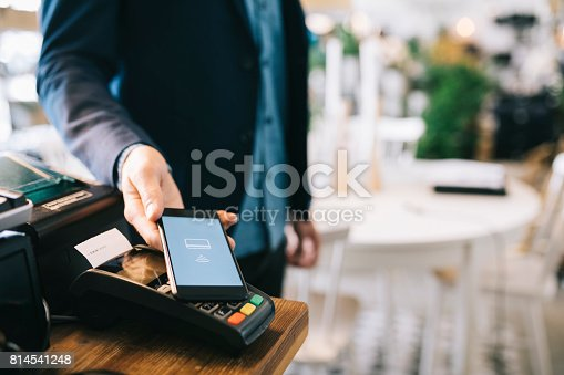 istock Mobile payment 814541248