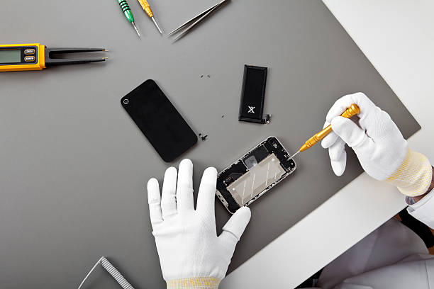 mobile phone service - broken iphone stock photos and pictures
