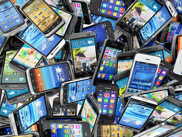 telefony komórkowe tle. włosie różnych nowoczesnym smartfonie. - duża grupa obiektów zdjęcia i obrazy z banku zdjęć