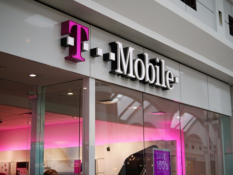 T Mobile Store Front Inside A Mall In New Jersey T Mobile ...