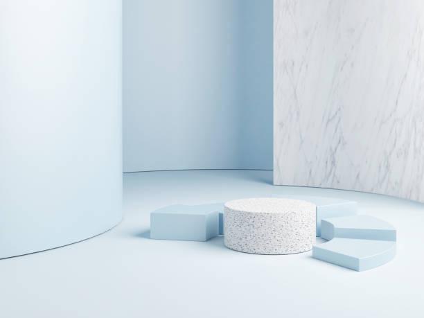 Verhöhnen Sie sich auf abstraktes Podium, blauen Hintergrund – Foto