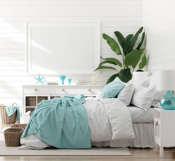 mock up-rahmen im schlafzimmer interieur, marine-zimmer mit meerestik und möbeln, küstenstil - schlafzimmer stock-fotos und bilder