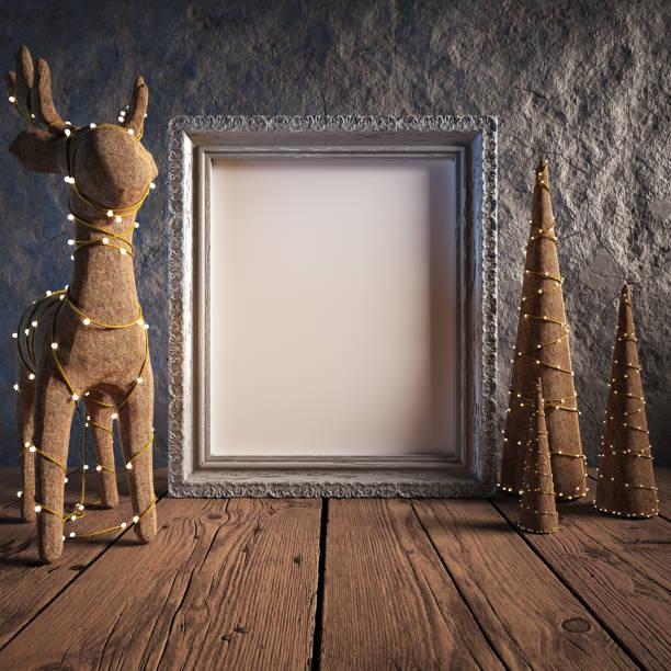 håna upp affischram i mysig interiör bakgrunden, juldekoration - celebrities of age bildbanksfoton och bilder