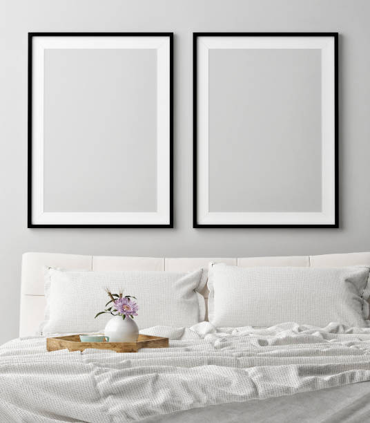 mock-up poster im romantischen schlafzimmer, träumen - tafel schlafzimmer stock-fotos und bilder