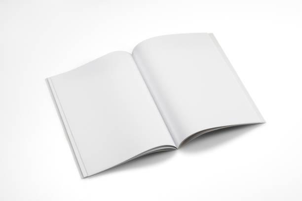 mock-up magazine, buch oder einen katalog auf weißen tisch hintergrund. - zeitschrift aufgeschlagen stock-fotos und bilder