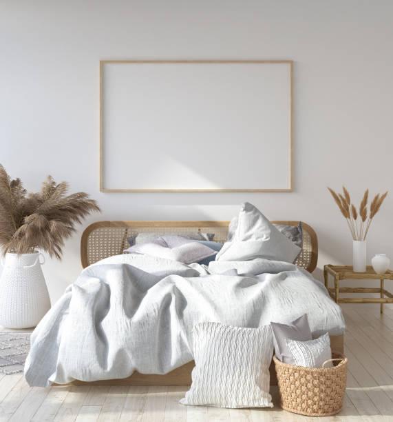 mock-up posterrahmen in skandinavischen schlafzimmer, bohemian style - tafel schlafzimmer stock-fotos und bilder