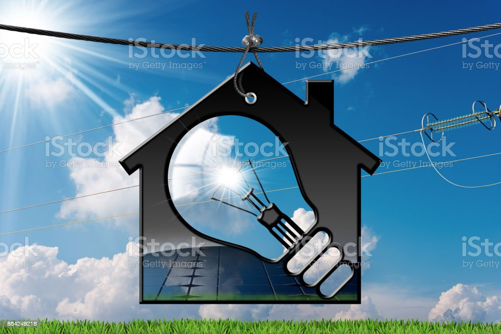 Model House with Solar Panel and Light Bulb - Foto stock royalty-free di Acciaio