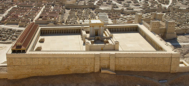 model of ancient jerusalem, view to the temple - jeruzalem stockfoto's en -beelden