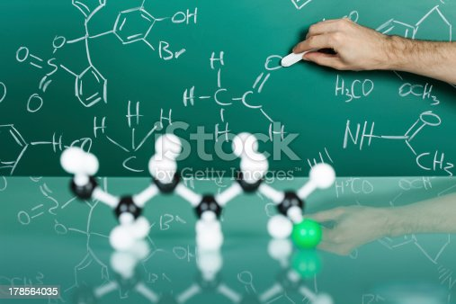 istock Model of molecular structure 178564035