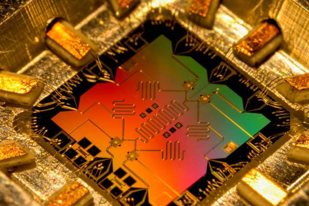 modell des quantenprozessorcomputers. quantencomputer. - quant stock-fotos und bilder