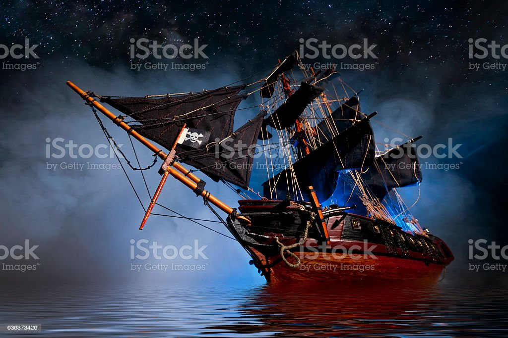 Model Pirate Ship with fog and water - foto de stock