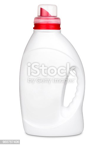 istock 3D model plastic bottle 955757406