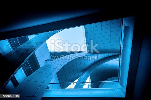 istock Modern Airport Architecture 533049919