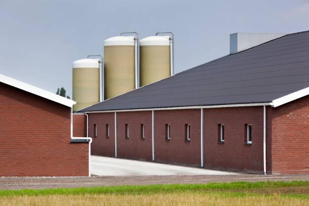 Bâtiment de ferme brique moderne et propre - Photo