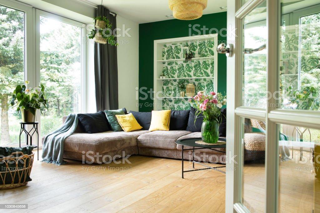 Moderne Und Gemutliche Wohnzimmer Mit Cord Sofa Kissen Grosses