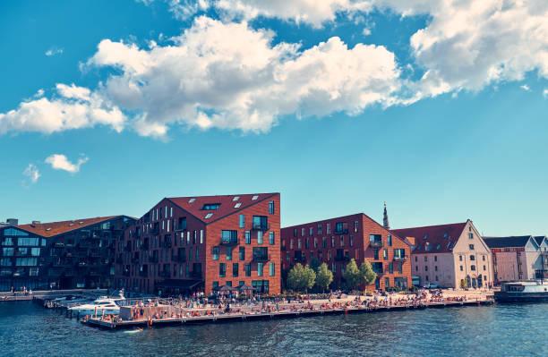 modernes wohnhaus in kopenhagen - hotels in kopenhagen stock-fotos und bilder