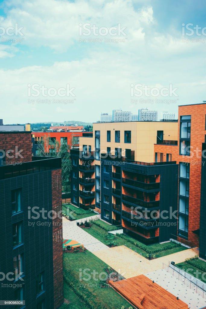 Edifício arquitectónico moderno bairro - foto de acervo