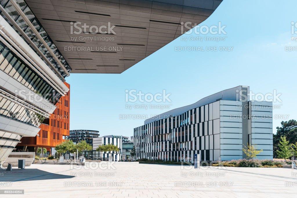 Moderne Architektur Die Gebaude Der Universitat Wien Stock