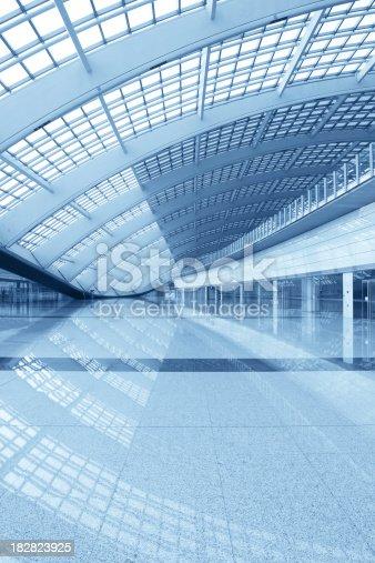 istock Modern Architecture Hall - XLarge 182823925