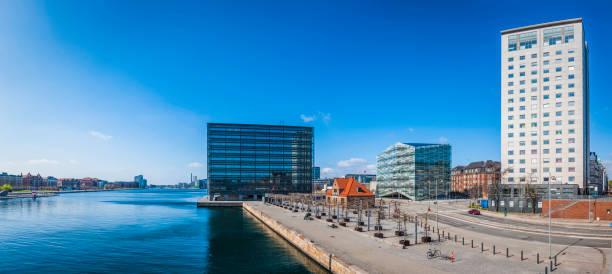 moderne architektur hochhäuser mit blick auf die waterfront promenade panorama kopenhagen dänemark - hotels in kopenhagen stock-fotos und bilder