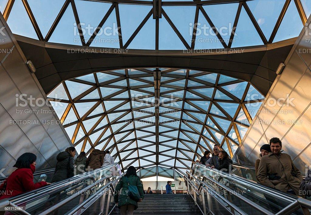 Moderne Architektur Im Sol Metrostation Madrid Stockfoto und ...
