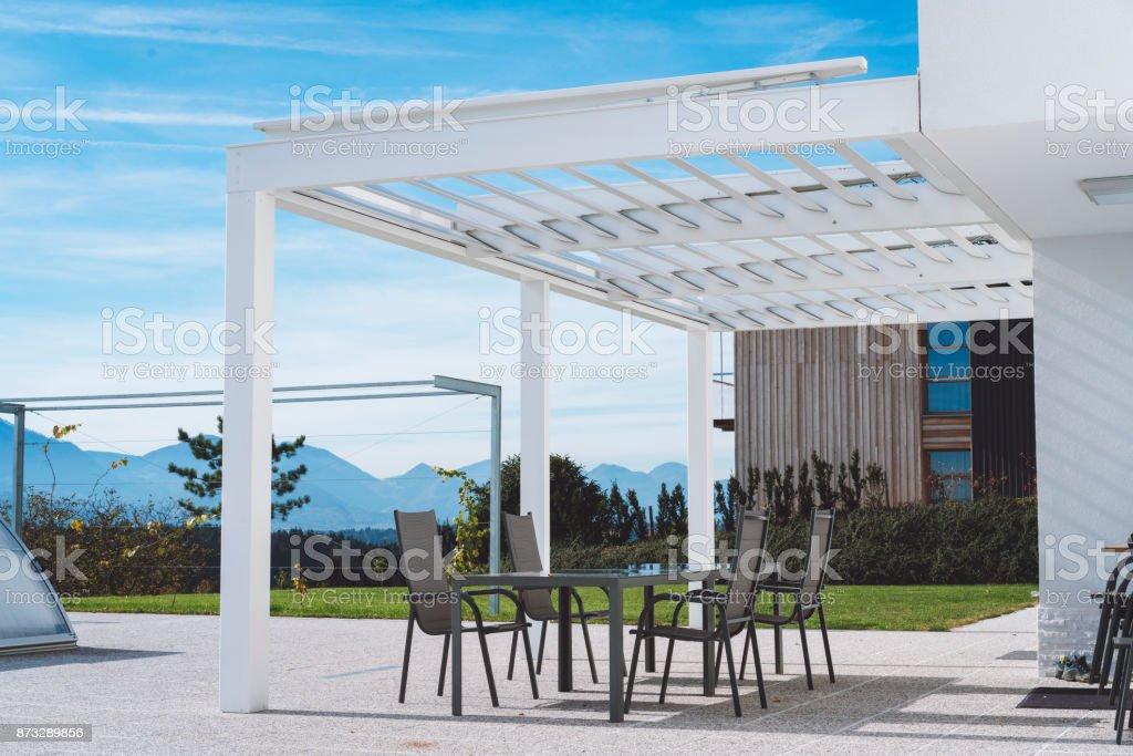 Schon Moderne Architektur In Der Natur Lizenzfreies Stock Foto