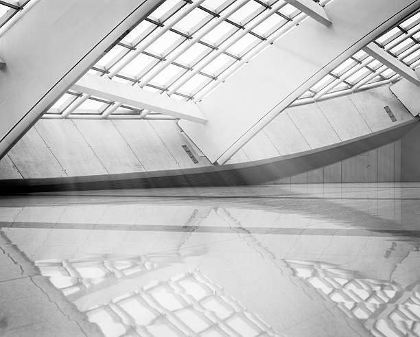 moderne architektur - bogen architektonisches detail stock-fotos und bilder