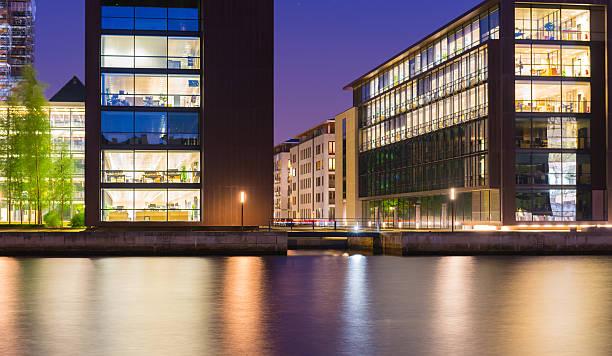 moderne architektur - hotels in kopenhagen stock-fotos und bilder