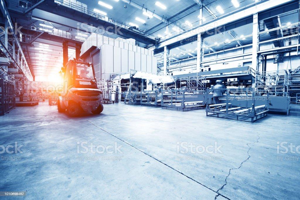 moderne automatisierte Fertigungslinie für Autos – Foto