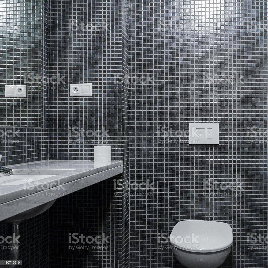 Bagni Con Piastrelle A Mosaico.Interni Moderno Bagno Con Piastrelle A Mosaico In Grigio Muro