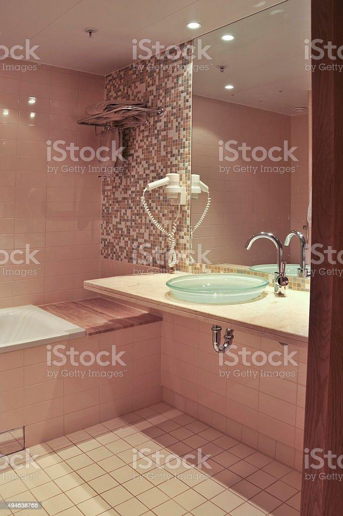 Modernes Badezimmer Stockfoto und mehr Bilder von 2015 - iStock