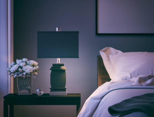 moderne schlafzimmer, nahaufnahme - nachttischleuchte stock-fotos und bilder