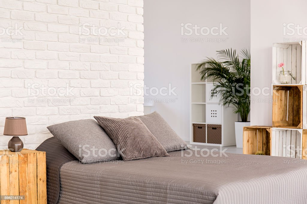 Modern bedroom in eco style foto royalty-free