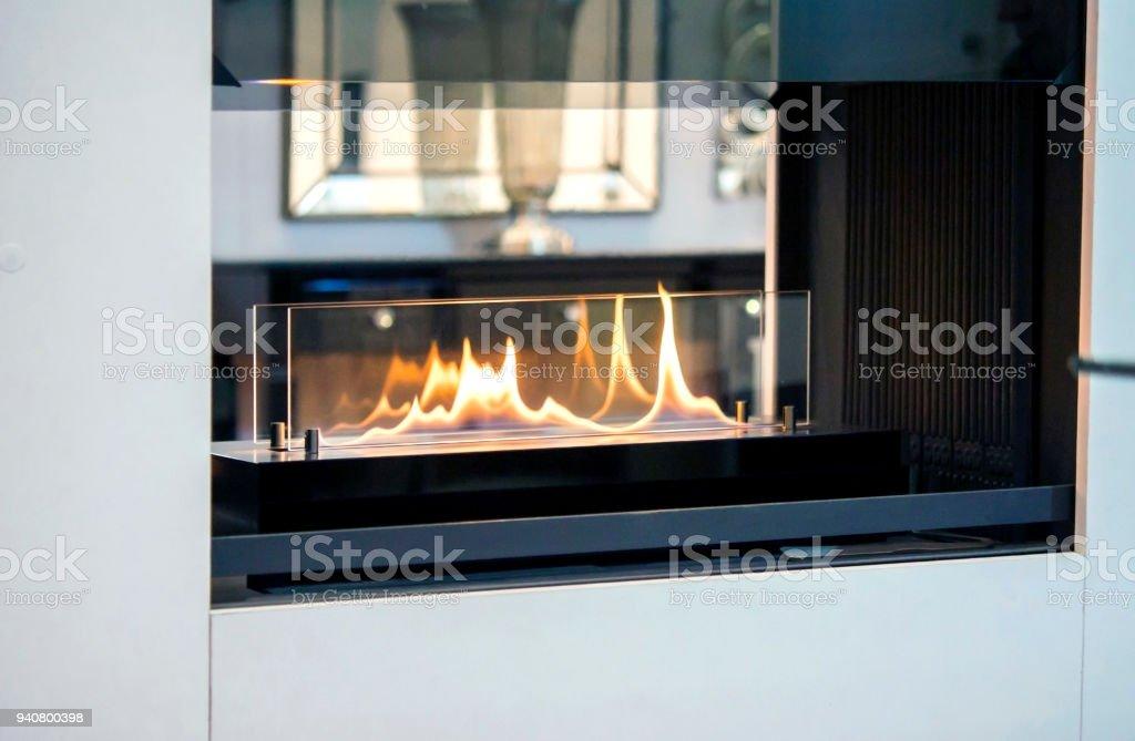 Moderne Bio Fireplot Kamin Ethanol Gas Stockfoto Und Mehr Bilder Von Abgas Istock